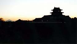 関宿城と富士の夕景写真